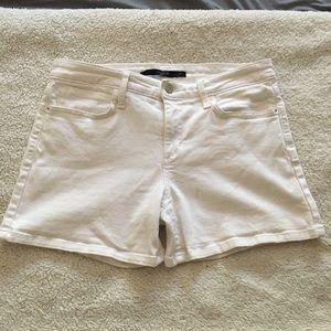 """Joe's jeans white """"Jennys"""" jean shorts 29"""